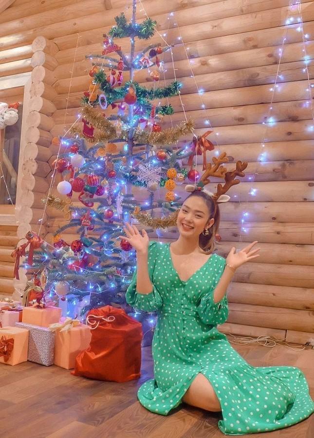 Sao Việt nô nức khoe ảnh trang hoàng nhà cửa lung linh chào đón Giáng sinh 2020 ảnh 9