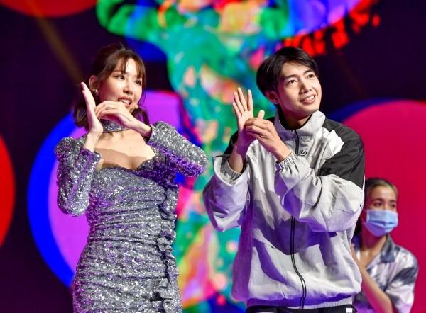 """Lễ hội countdown """"Ánh Sáng 2021"""": Min - Quang Đăng hội ngộ, MCK - Tlinh """"chạm trán"""" ICD ảnh 1"""
