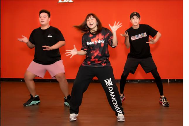 """Ngô Kiến Huy chi khủng, đưa rap vào ca khúc mới hứa hẹn hoành tránh hơn """"Truyền Thái Y"""" ảnh 3"""