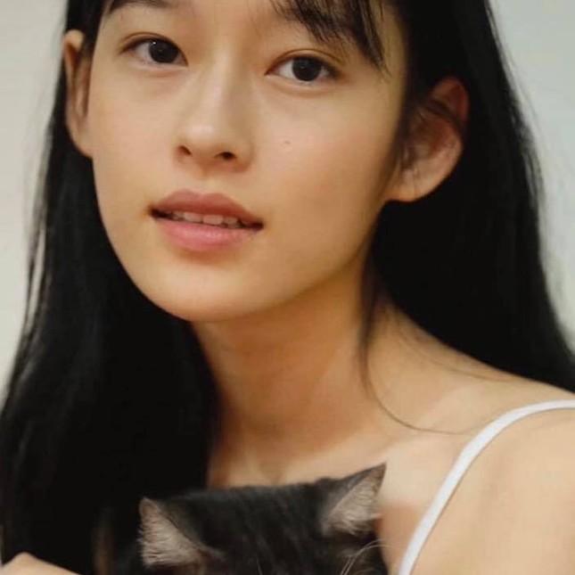 Cô gái Việt làm điên đảo Weibo vì giống Chương Tử Di: Tưởng ai hóa ra nàng thơ của Erik ảnh 11