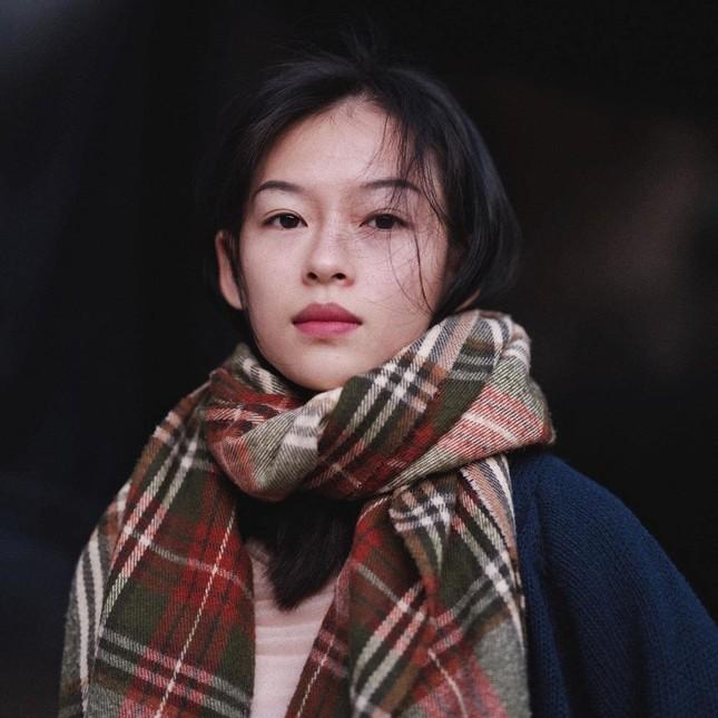 Cô gái Việt làm điên đảo Weibo vì giống Chương Tử Di: Tưởng ai hóa ra nàng thơ của Erik ảnh 3