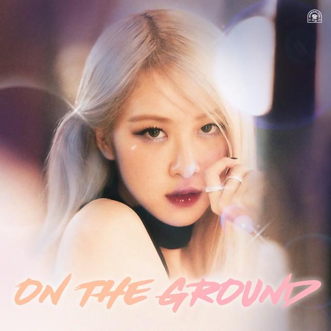 """Cover ca khúc """"On The Ground"""" của Rosé (BLACKPINK), Đức Phúc gây chú ý vì """"giọng lạ"""" ảnh 2"""