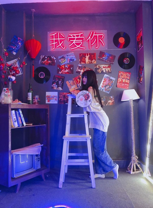 """Sốt xình xịch """"Hong Kong thu nhỏ 10K"""" cực chill ở Hà Nội  ảnh 10"""