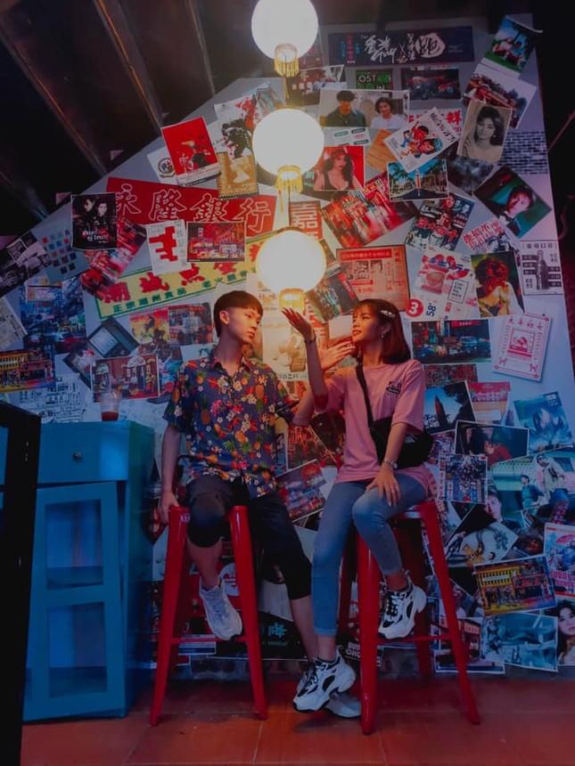 """Sốt xình xịch """"Hong Kong thu nhỏ 10K"""" cực chill ở Hà Nội  ảnh 3"""