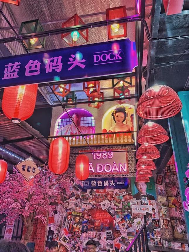 """Sốt xình xịch """"Hong Kong thu nhỏ 10K"""" cực chill ở Hà Nội  ảnh 4"""