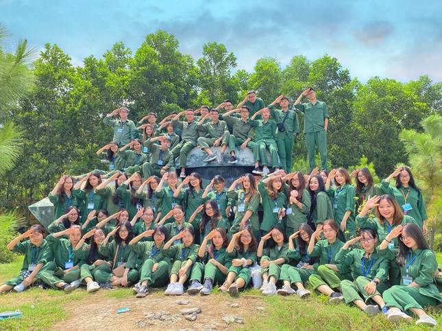 Kỳ quân sự đáng nhớ của sinh viên Đại học Kinh Tế Quốc Dân giữa mùa dịch COVID-19 ảnh 7
