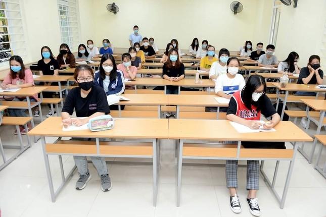 Đại học Kinh tế Quốc dân triển khai phương pháp đào tạo kết hợp trực tiếp và trực tuyến ảnh 4