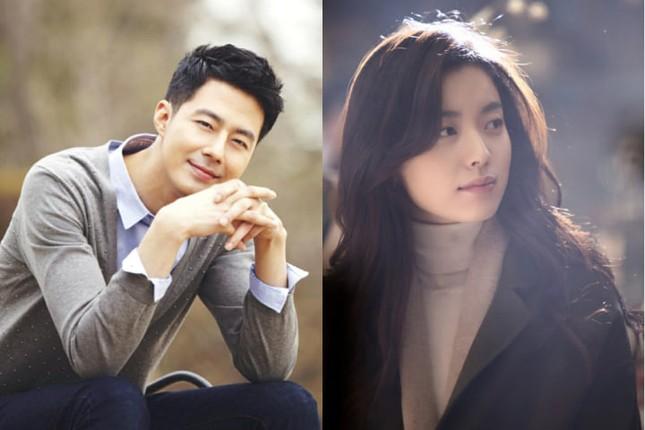 Fan háo hức chờ đón Jo In Sung và Han Hyo Joo tái xuất màn ảnh nhỏ sau nhiều năm ở ẩn ảnh 1