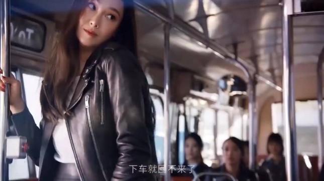 """Cư dân mạng """"đào"""" lại CF gần đây của Jessica, nhiều chi tiết được cho là """"đá xoáy"""" SNSD ảnh 5"""