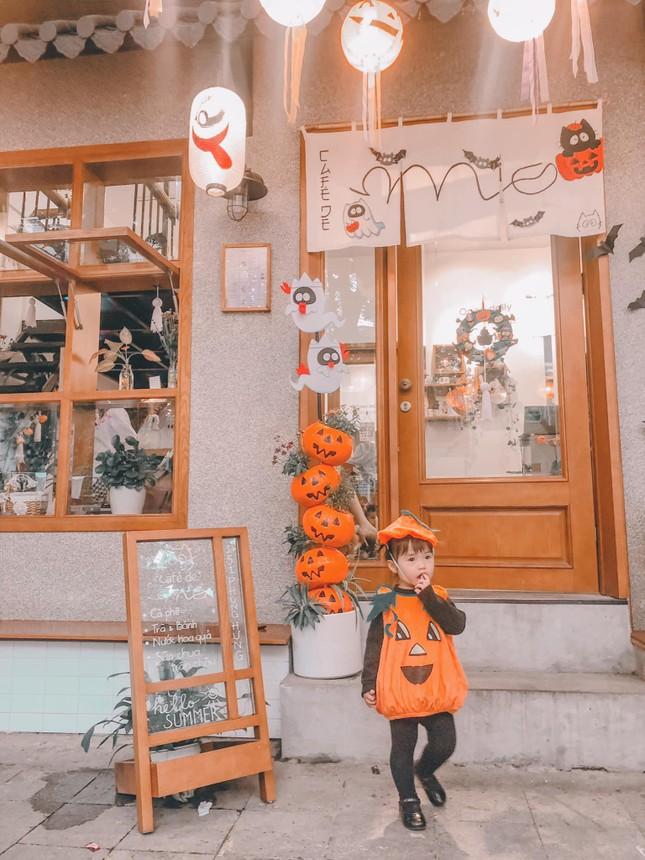 """Đi đâu để cảm thấy """"rùng hết cả mình"""" trong dịp lễ hội Halloween tại Hà Nội? ảnh 7"""