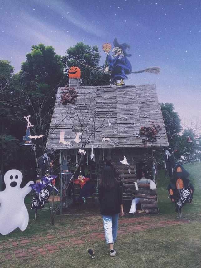 """Đi đâu để cảm thấy """"rùng hết cả mình"""" trong dịp lễ hội Halloween tại Hà Nội? ảnh 3"""