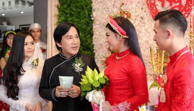 Vợ ba của NSƯT Kim Tử Long nói về quan hệ với hai vợ cũ và con riêng của chồng ảnh 3