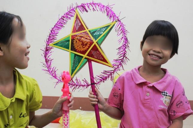 Nhói lòng với điều ước đêm Trung thu của trẻ mồ côi, khuyết tật miền sơn cước ảnh 6