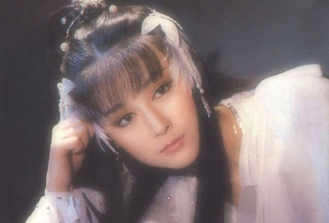 Ngỡ ngàng vẻ trẻ đẹp ở tuổi 71 của Tiểu Long Nữ phim 'Thần điêu đại hiệp 1984' ảnh 7