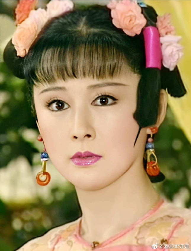 Ngỡ ngàng vẻ trẻ đẹp ở tuổi 71 của Tiểu Long Nữ phim 'Thần điêu đại hiệp 1984' ảnh 6