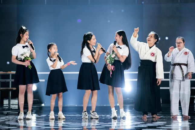 Tiết mục xúc động nhất đêm Chung kết Hoa hậu Việt Nam 2020 ảnh 8