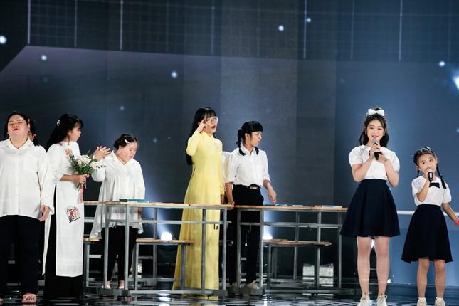 Tiết mục xúc động nhất đêm Chung kết Hoa hậu Việt Nam 2020 ảnh 9