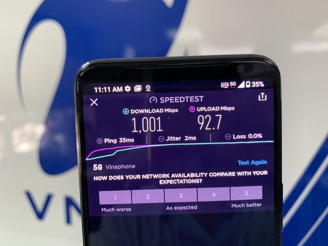 Những khách hàng đầu tiên sử dụng VinaPhone 5G ảnh 1
