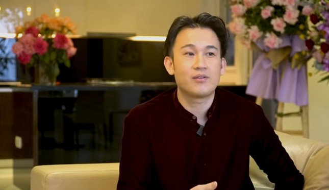 Dương Triệu Vũ tiết lộ Hoài Linh từng đi rửa chén thuê để nuôi em ăn học gây xúc động ảnh 1
