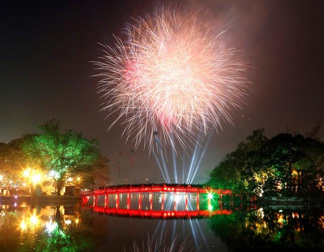 Địa điểm đón năm mới đẹp nhất Hà Nội, TP. HCM và các tỉnh trên cả nước ảnh 1