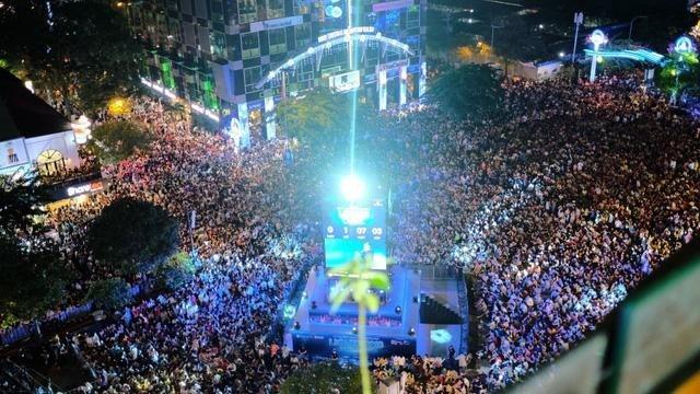 Địa điểm đón năm mới đẹp nhất Hà Nội, TP. HCM và các tỉnh trên cả nước ảnh 2
