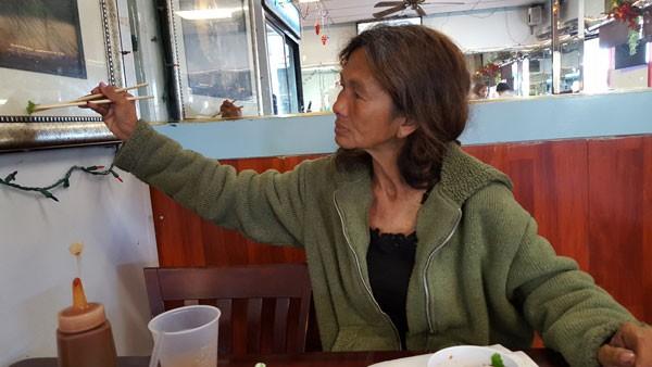 Cuộc sống lang thang ăn xin ở Mỹ của ca sĩ Kim Ngân - từng xinh đẹp bậc nhất hải ngoại ảnh 7