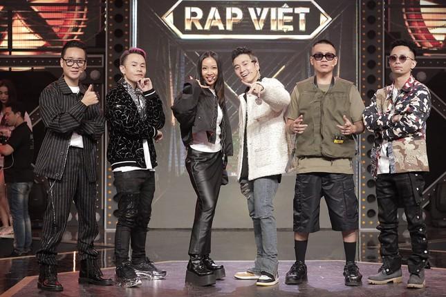 Khán giả mong Live Concert Rap Việt dời lịch khi dịch COVID-19 bùng phát ảnh 2