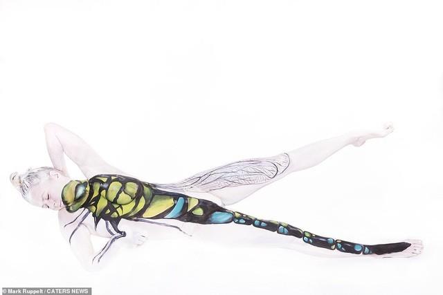 Ảnh khỏa thân biến thành động vật của nghệ sĩ body-painting gây sửng sốt ảnh 9