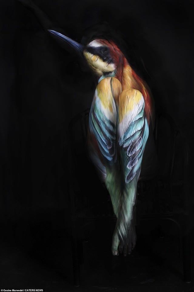 Ảnh khỏa thân biến thành động vật của nghệ sĩ body-painting gây sửng sốt ảnh 2