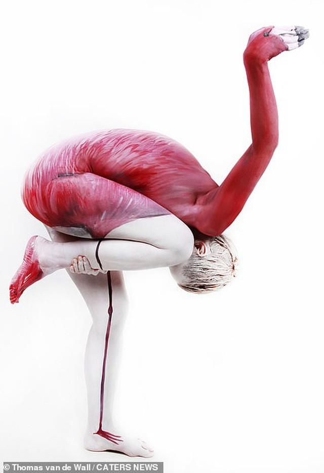 Ảnh khỏa thân biến thành động vật của nghệ sĩ body-painting gây sửng sốt ảnh 7