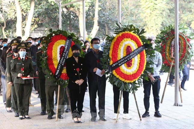 Nghệ sĩ đau buồn lặng đi trong lễ tang NSND Hoàng Dũng ảnh 5