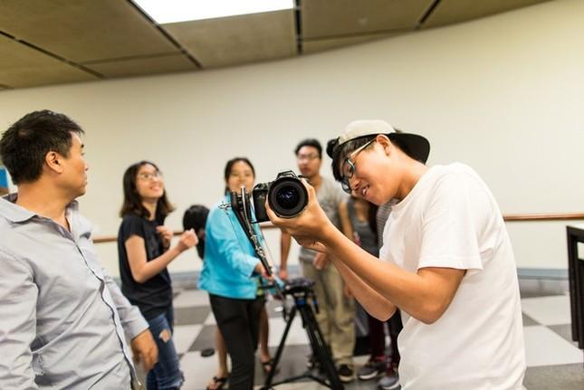 Đạo diễn Nguyễn Quang Dũng và diễn viên Hồng Ánh ngồi 'ghế nóng' cuộc thi làm phim dành cho teen ảnh 1