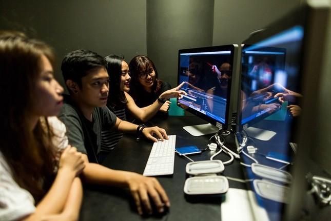 Đạo diễn Nguyễn Quang Dũng và diễn viên Hồng Ánh ngồi 'ghế nóng' cuộc thi làm phim dành cho teen ảnh 4