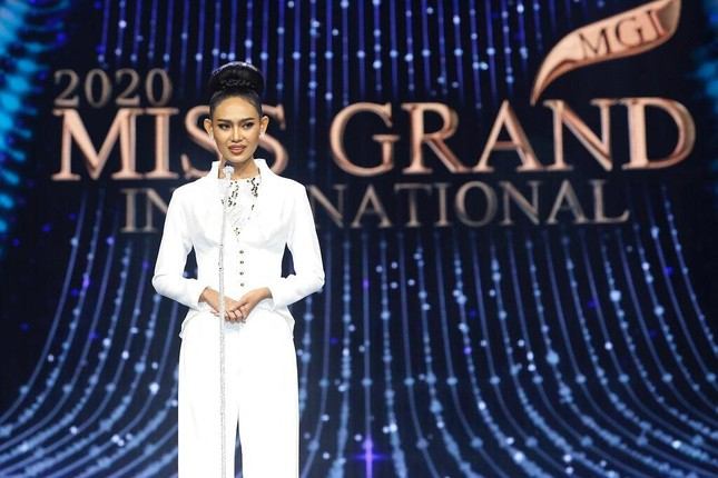 Nhan sắc Hoa hậu Hoa hậu Hòa bình Myanmar vừa bị truy nã ảnh 2