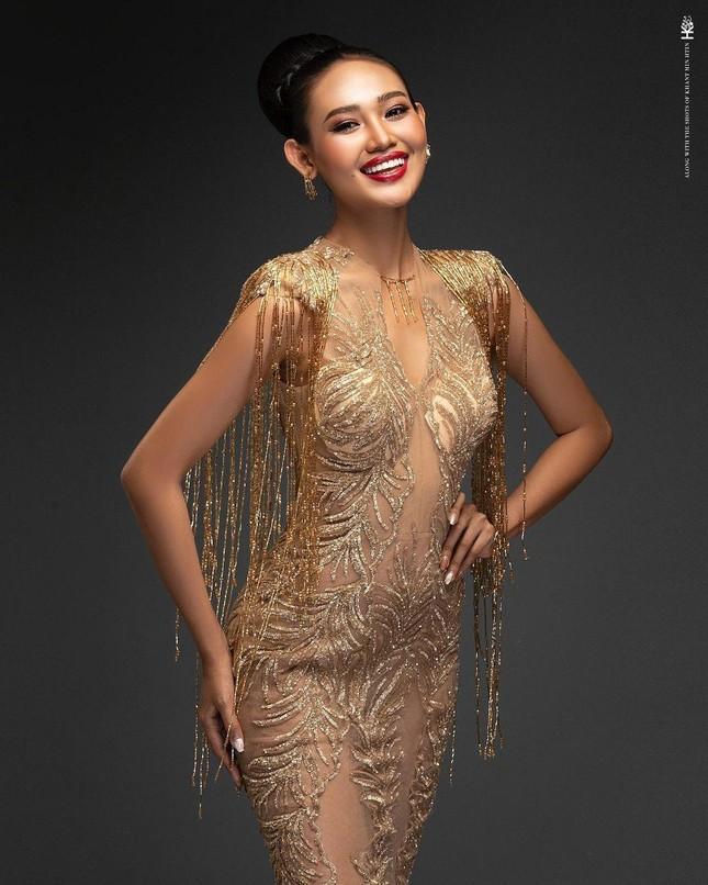 Nhan sắc Hoa hậu Hoa hậu Hòa bình Myanmar vừa bị truy nã ảnh 6
