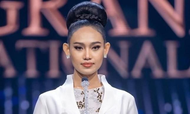 Nhan sắc Hoa hậu Hoa hậu Hòa bình Myanmar vừa bị truy nã ảnh 1