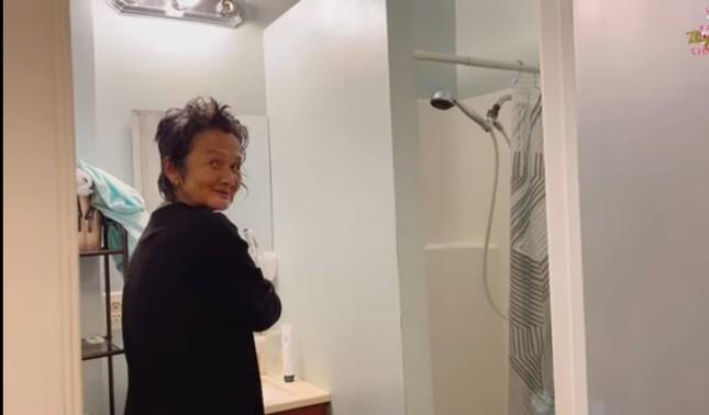 Thúy Nga mừng rỡ vì lần đầu tiên Kim Ngân đòi đi tắm, hành xử ngày càng lịch sự và dí dỏm ảnh 2