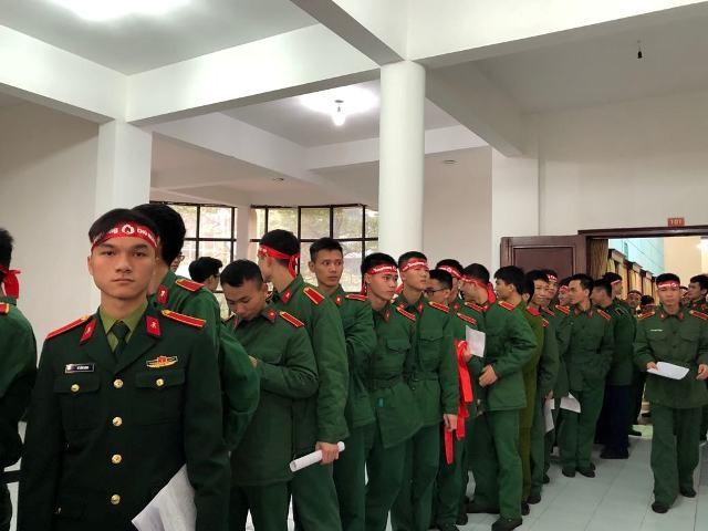Gần 1.000 cán bộ, chiến sĩ áo lính hiến máu tình nguyện ảnh 7