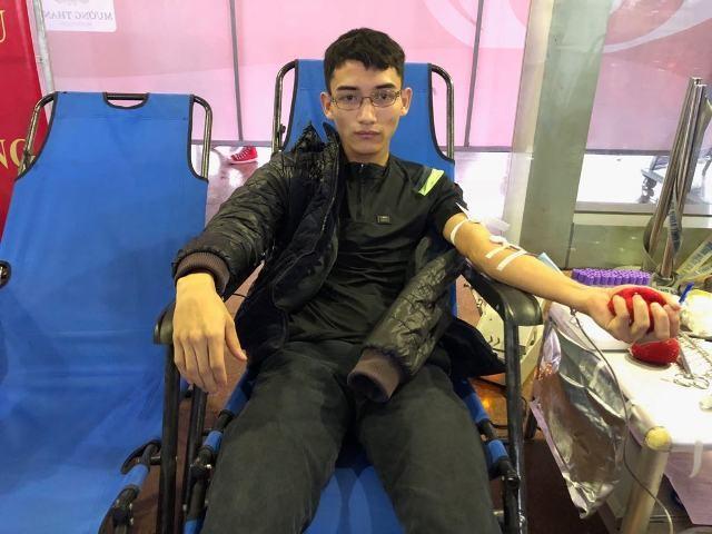 Những nhân vật hiến máu đặc biệt tại Chủ Nhật Đỏ Ninh Bình ảnh 3