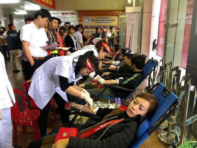 Những nhân vật hiến máu đặc biệt tại Chủ Nhật Đỏ Ninh Bình ảnh 9