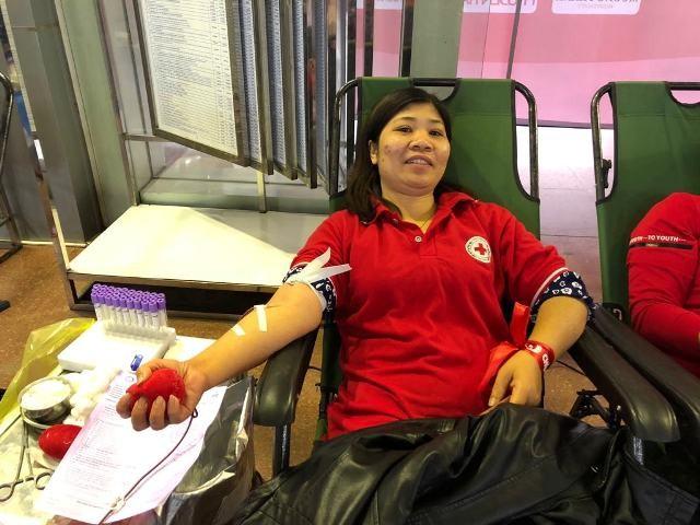 Những nhân vật hiến máu đặc biệt tại Chủ Nhật Đỏ Ninh Bình ảnh 2