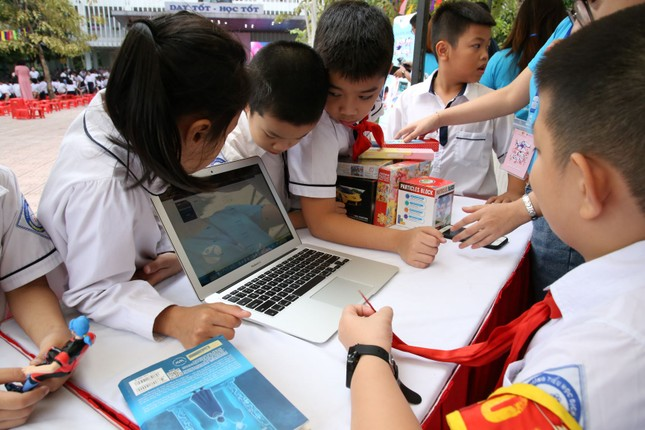 Hơn một triệu học bổng tiếp sức 'Thiếu nhi Việt Nam - Vươn ra thế giới' ảnh 2