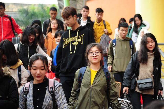 Sinh viên Thủ đô đi xe miễn phí về quê đón Tết ảnh 5