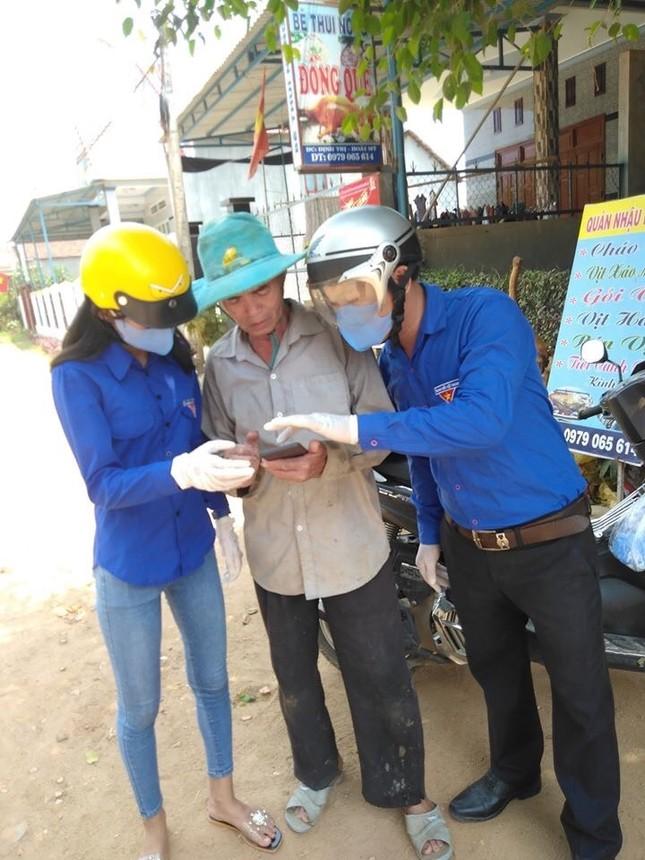 Bình Định: Đến từng ngõ, gõ từng nhà khai báo y tế ảnh 2