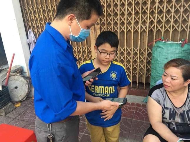 Bình Định: Đến từng ngõ, gõ từng nhà khai báo y tế ảnh 1
