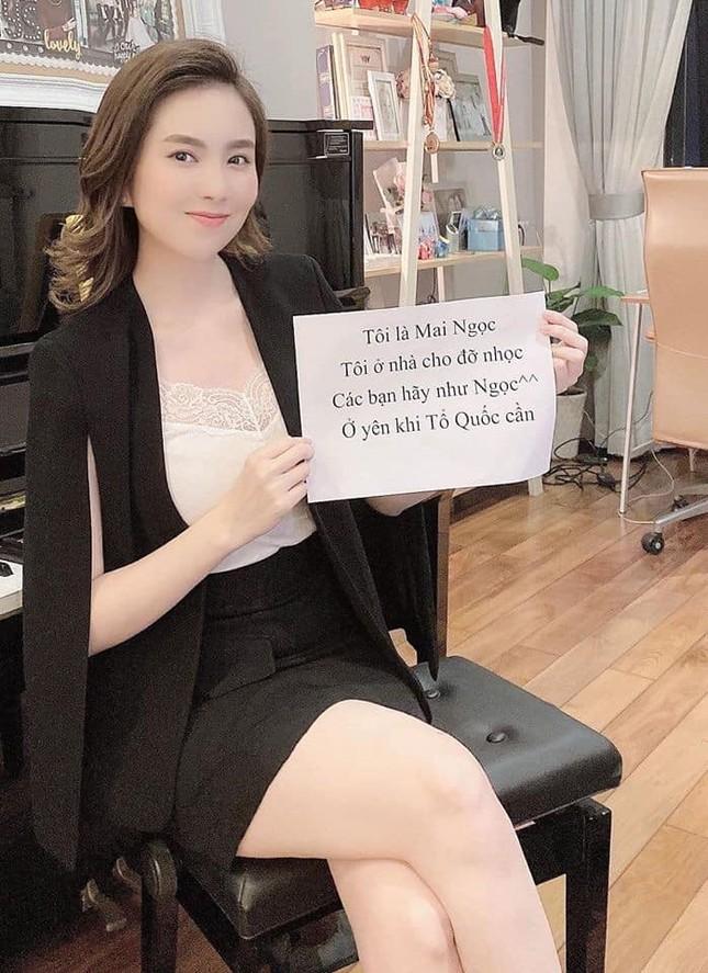 Xuân Bắc, Á hậu Huyền My hưởng ứng trào lưu 'ghép tên' mùa dịch ảnh 3