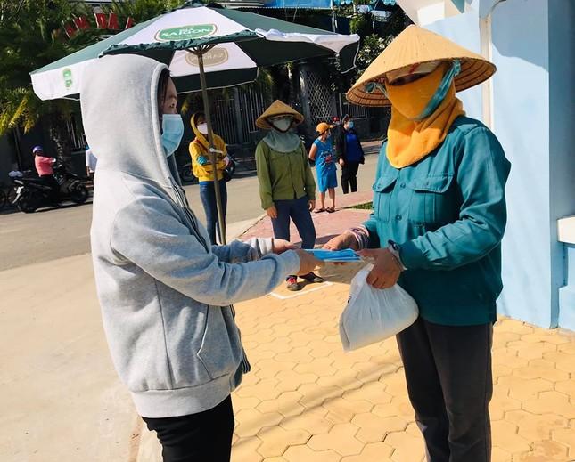 Bình Thuận khởi động 'ATM gạo' cho người khó khăn ảnh 2