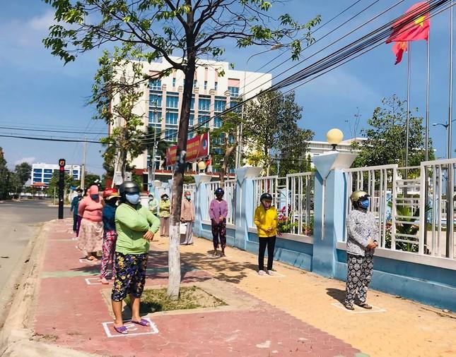 Bình Thuận khởi động 'ATM gạo' cho người khó khăn ảnh 1