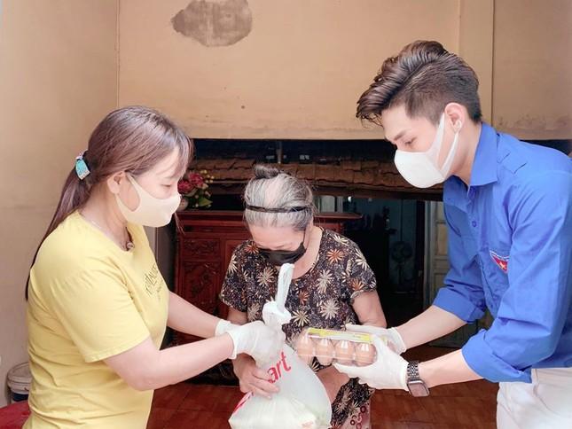 Tuổi trẻ Thủ đô tặng 10.000 quả trứng, trạm rửa tay cho người dân Hạ Lôi ảnh 2