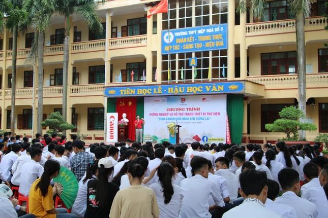 Hướng nghiệp cho hàng ngàn học sinh miền núi ảnh 1